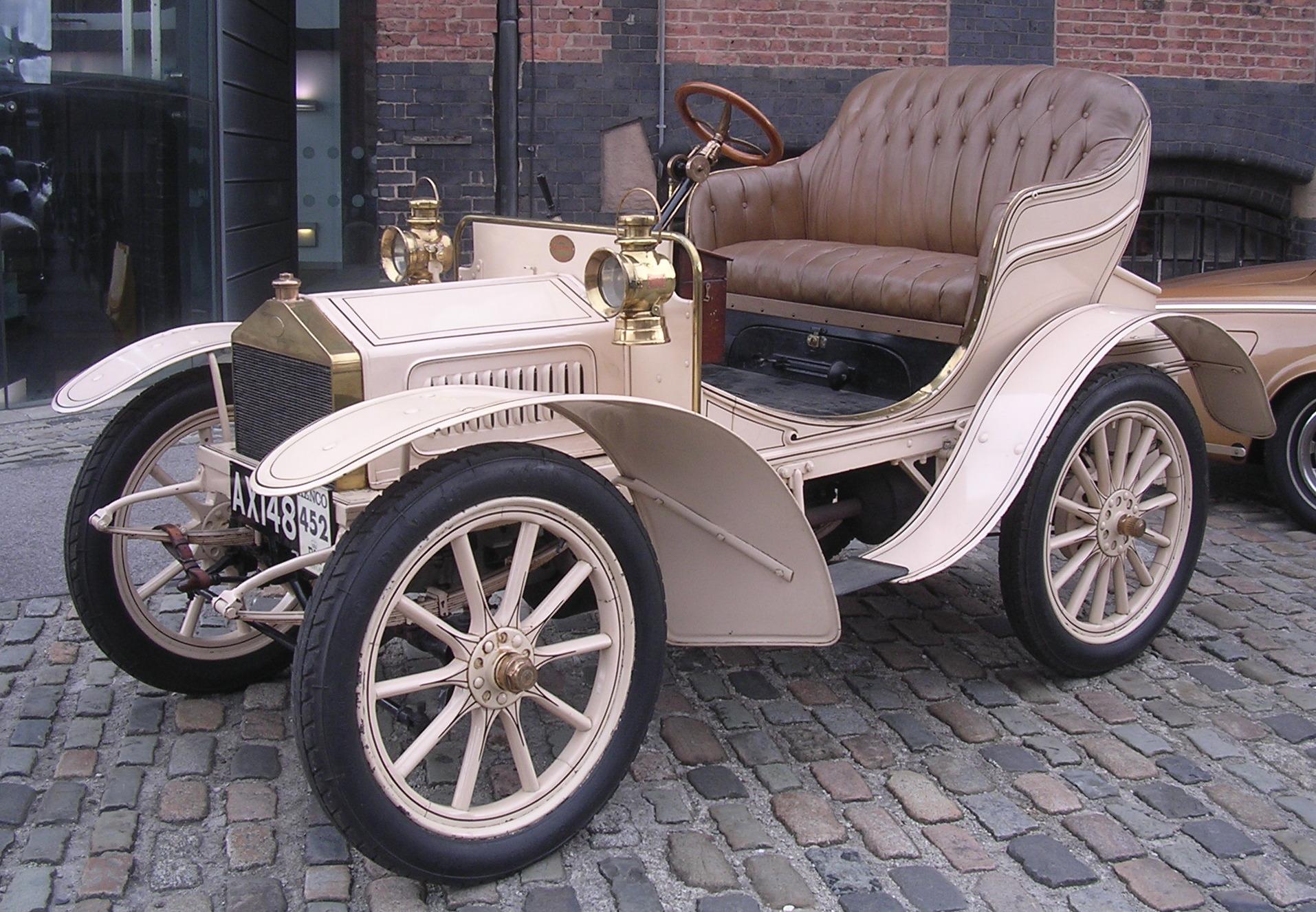 um dos primeiros Rolls-Royce