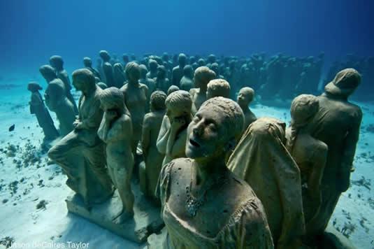 Museu Subaquatico de Arte em Cancun