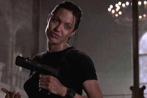 Crítica | Lara Croft: Tomb Raider (2001) - Plano Crítico